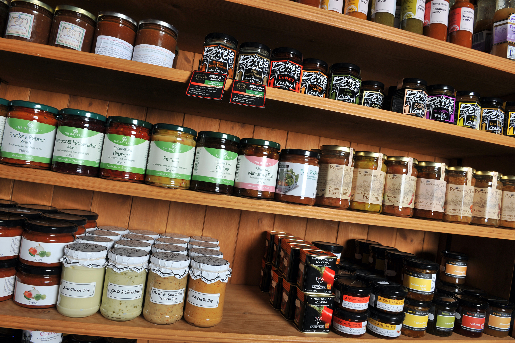 Condiment jars on shelf 2